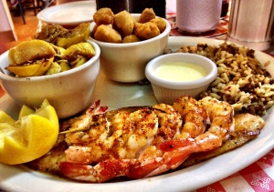 Catfish, shrimp, and fried okra at Mel's Country Cafe.