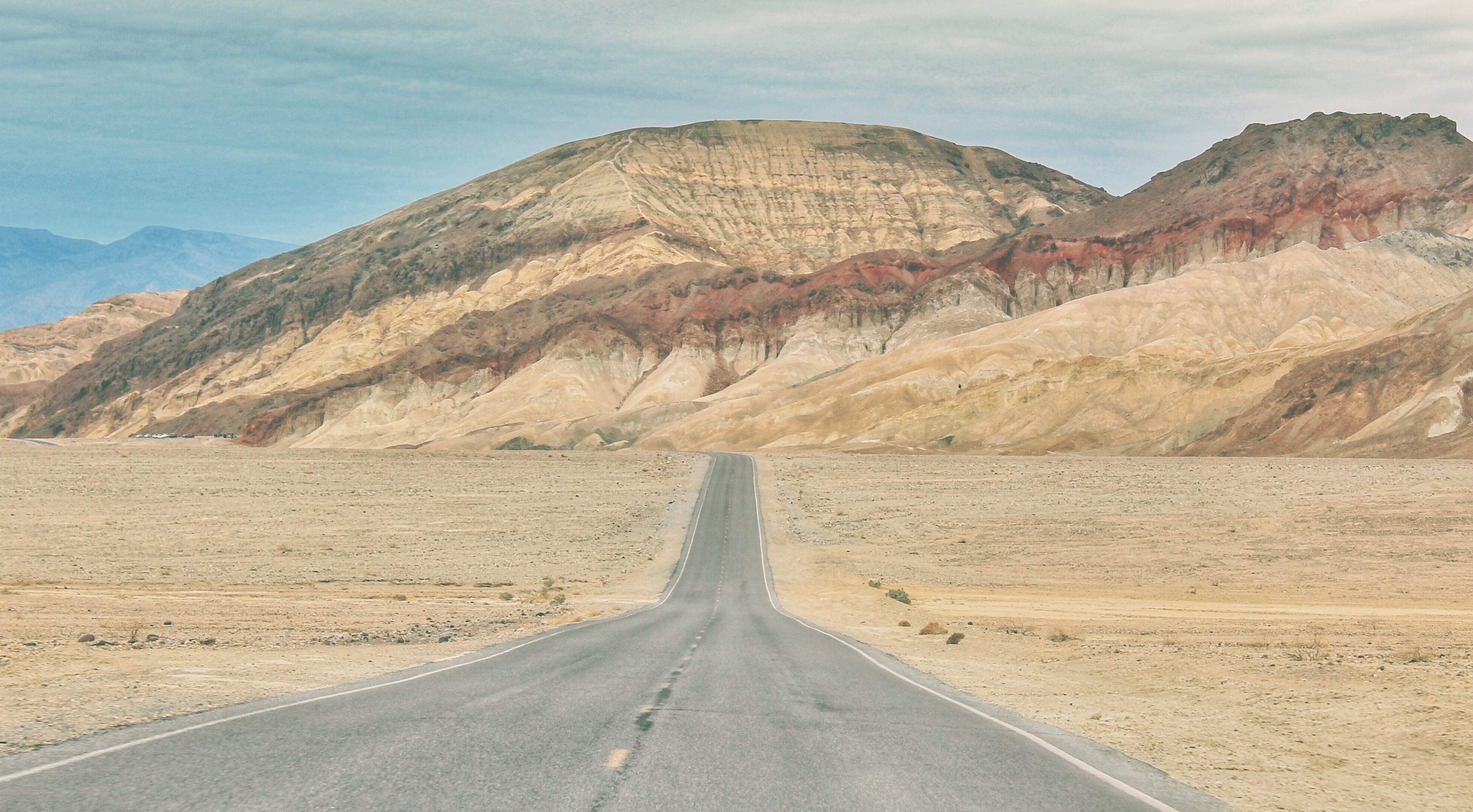5 Must-Do Road Trips From Las Vegas